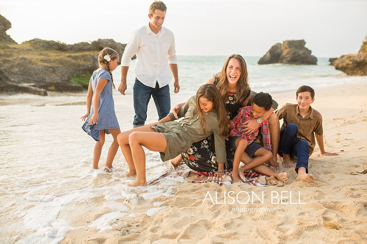 Large family, family of 8, photo session, beach, yomitan, okinawa, alison bell photographer