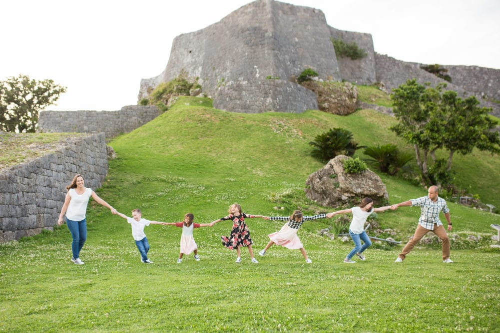 Large family photography focusing on fun and connection. Alison Bell, Photographer | Okinawa, Japan | Northern Virginia