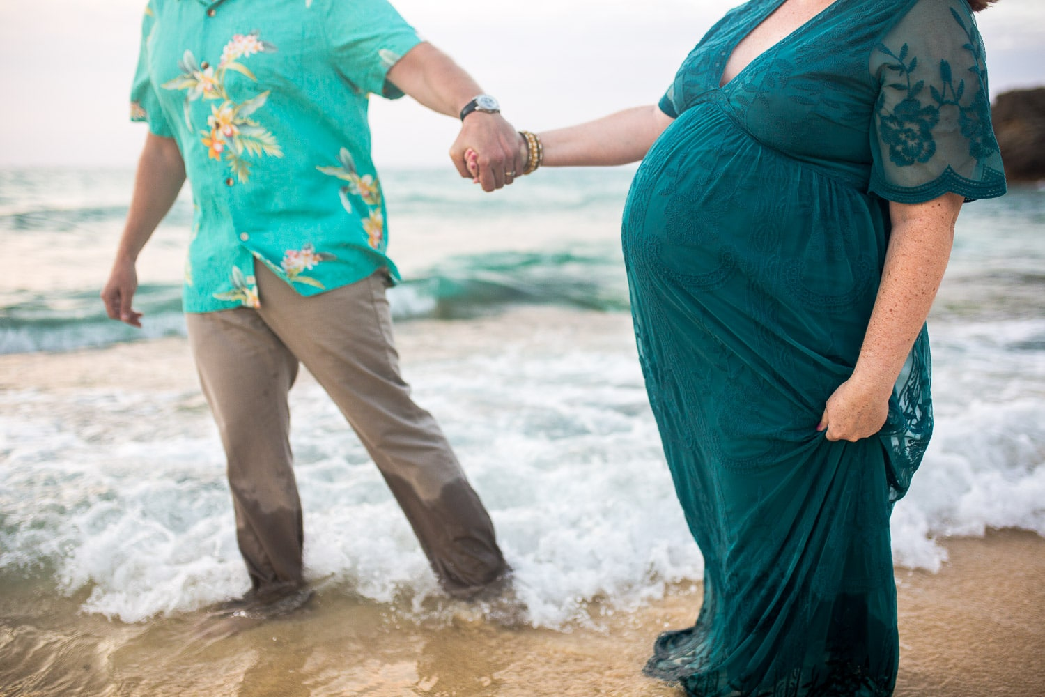 Maternity pregnancy photos on the beach in Okinawa Japan by Alison Bell Photographer.