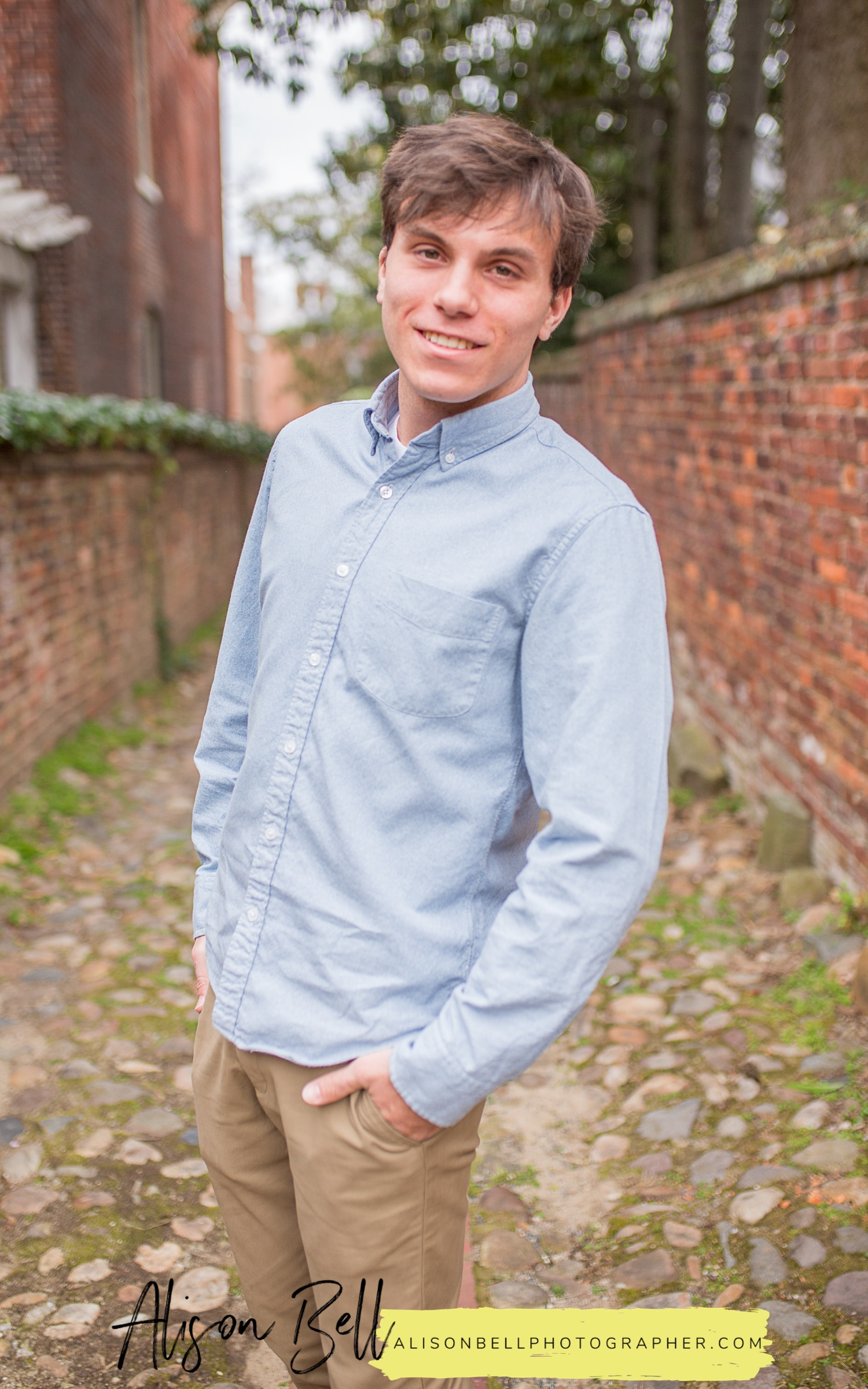 Senior boy photo session in Old Town Alexandria, VA by Alison Bell, Photographer. Alisonbellphotographer.com